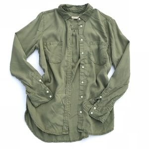 Tops - Olive green casual comfy soft button up, pockets M